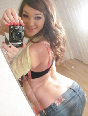 Ex-girlfriend Holly Michaels exposing big natural tits while taking selfies