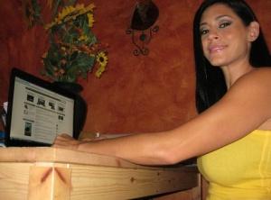 Busty Latina ex-gf Raylene takes selfies of her hanging labia lips