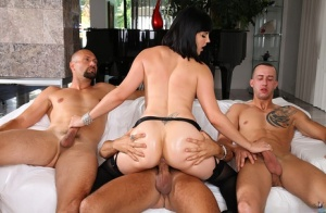 Groupsex makes Bobbi Starr enjoy blowjob and handjob she does easily