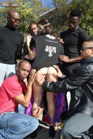 Blacks on Blondes}