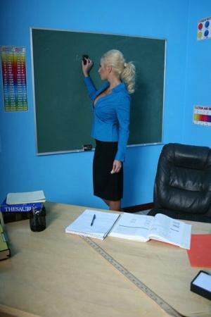 vendite all'ingrosso buon servizio vasta selezione di Big Tits At School Puma Swede 80431089 - HD Porn Pictures