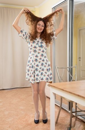 Wild mature Russian wife Helen Volga fucks her hairy snatch with a heel