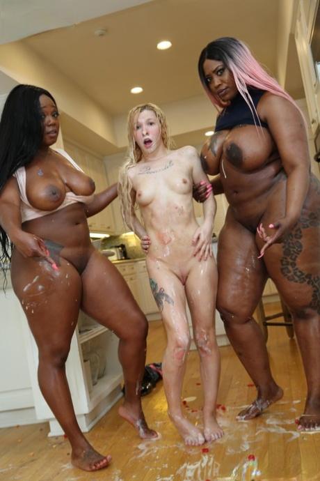 Black Big Ass Small Tits