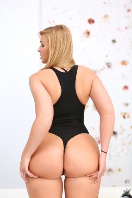 Gorgeous blonde big ass Hot Teen Blonde Big Ass Pics Pornpics Com