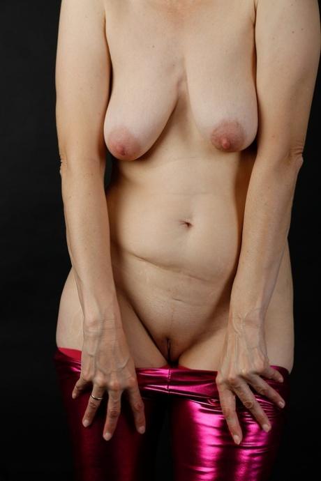 Empty tits porn