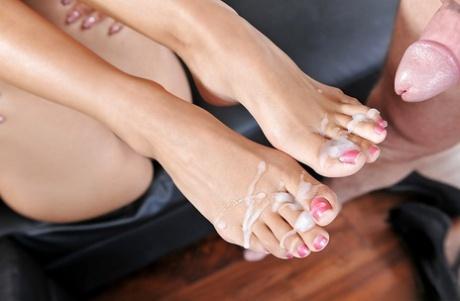 Feet cum pics