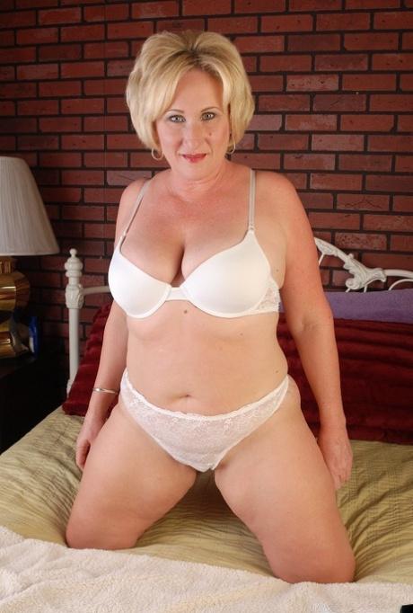 Mature chubby naked Chubby Blonde Mature Pics Pornpics Com