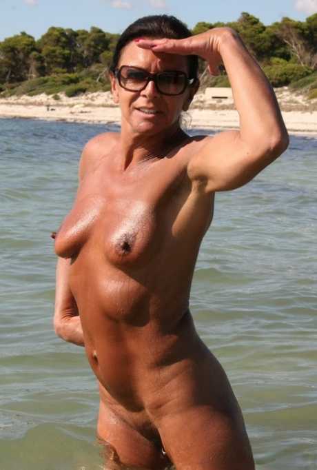Nackt lady sarah LADY SONIA
