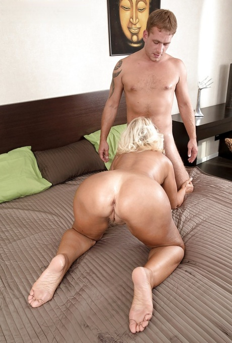 Gilfpics Hot Granny