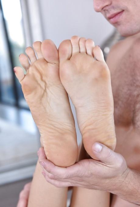 Feet melissa moore Beth Moore's