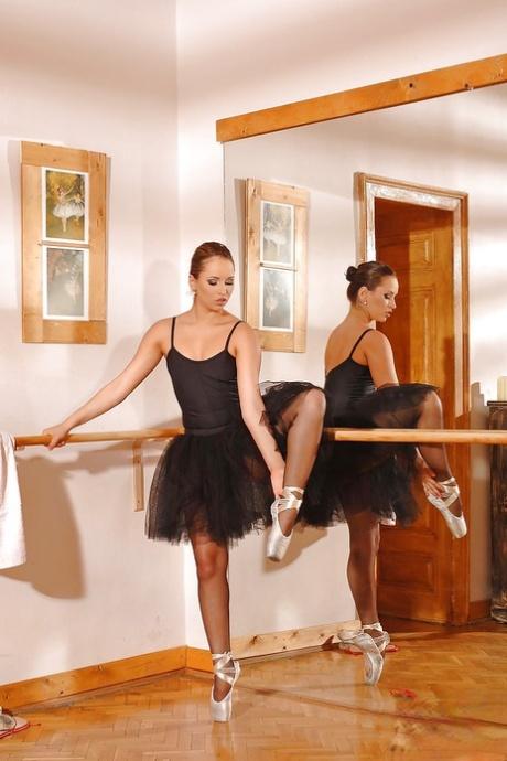 Flexy ballet dancer Aleska Diamond slowly uncovering her seductive curves