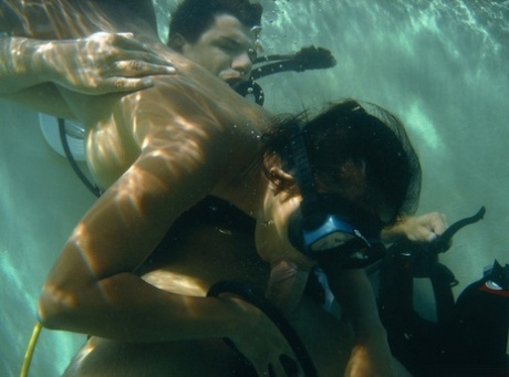 Kinky Thai MILF diver Priva sucking & riding a hard cock under the water