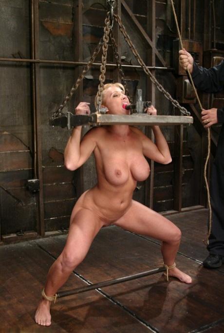 sex in bondage