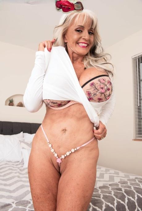 Ya mums got big tits