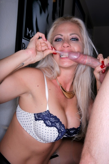 Holly Madison  nackt
