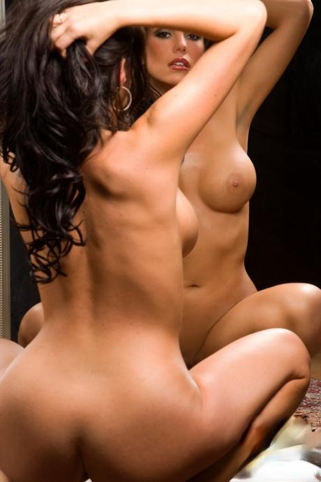 Anissa Holmes  nackt