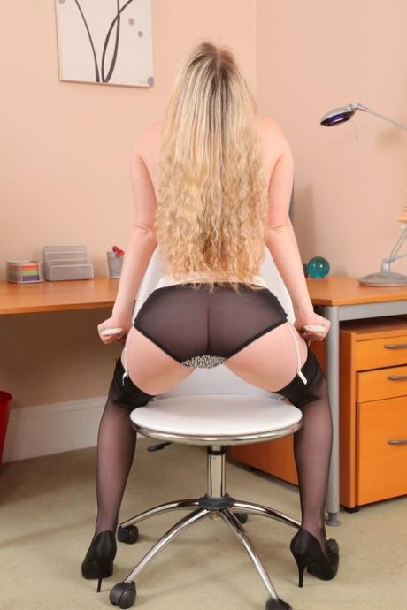 Big boobed stunner Brooke G strips off white satin skirt and poses in lingerie - PornHugo.net