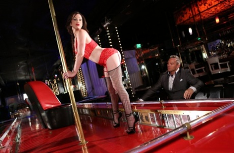 American brunette stripper Jennifer White gets rammed by Marcus London
