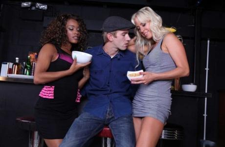 Hot bartenders Carla Cox & Kiki Minaj share Danny's shaft and get ass fucked