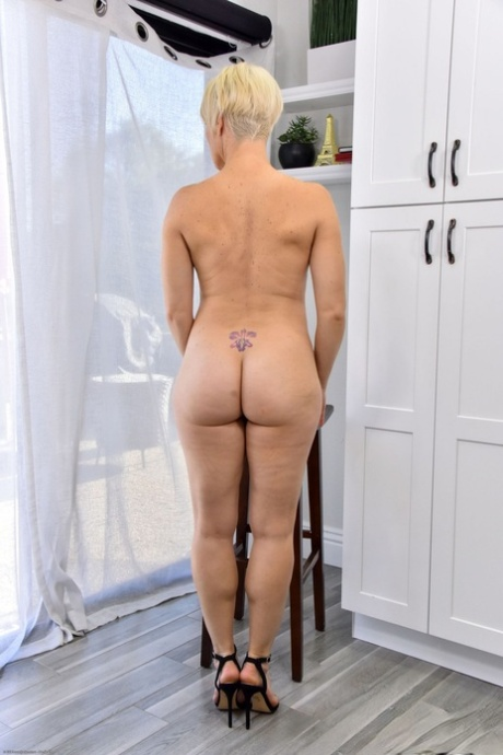 Short Mature Porn