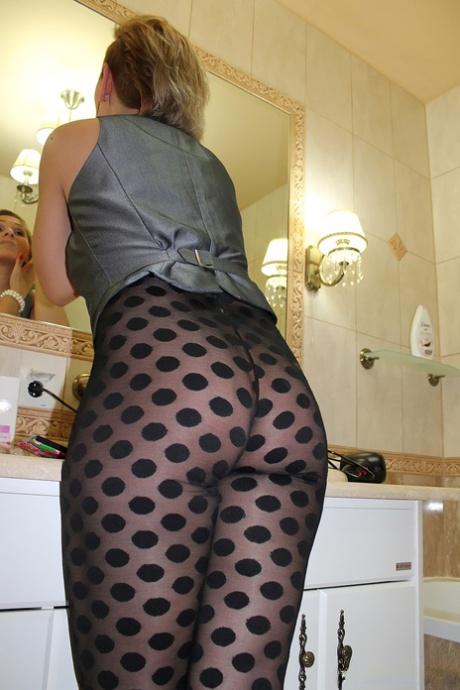 Mature Pantyhose Images