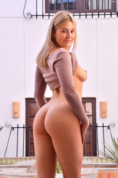 Blonde ass pics