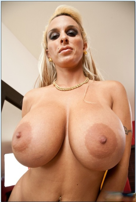 Moms with big boobs